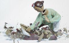 Fotógrafa registra bonecos de cerâmica quebrando no chão http://www.hypeness.com.br/2012/02/fotografa-registra-bonecos-de-ceramica-quebrando-no-chao/
