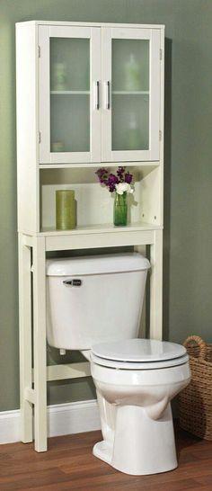 Baño pequeño, maximizar espacio.