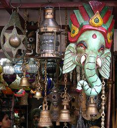 8 Best Delhi Markets for Fabulous Shopping
