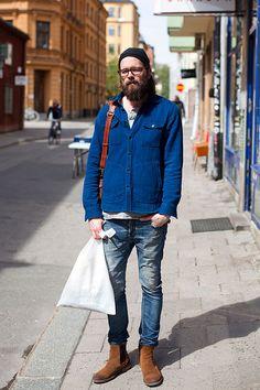 青ワークジャケット×デニムパンツ×茶サイドゴアブーツ