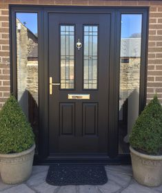 The perfect Black Jacobean. Rockdoor manufacture the most secure Front doors, Ba. - The perfect Black Jacobean. Rockdoor manufacture the most secure Front doors, Back Doors and Barn D - Front Door Porch, Black Front Doors, Front Porch Design, Modern Front Door, Front Door Entrance, Exterior Front Doors, House Front Door, House With Porch, House Entrance