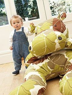 I want a hippopotamus for Christmas... (might need to make one of these!!!)