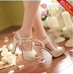 47ce6b4d4 Sapato Tumblr, Sapatilhas, Sandalia Meia Pata, Sapatos Fofos, Sapatos  Sandálias, Sapatos