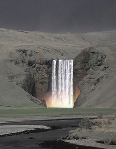Skógafoss Amazing rainbow formed in the spray of Skogafoss waterfall during the last Eyjafjöll volcanic eruption may 2010, https://www.flickr.com/photos/sverrir_thor/8679510968/in/photostream/