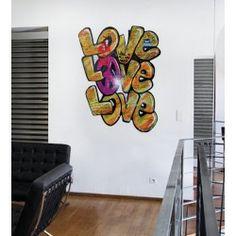 """Lancez-vous dans la nouvelle forme d'art #urbain avec le #sticker Art ! Notre #autocollant #mural """"Love Love Love"""", très original et coloré viendra donner du style à votre chambre !"""