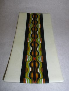 Fused glass plate with fused pattern bar slices Fused Glass Plates, Glass Tray, Fused Glass Art, Stained Glass, Slumped Glass, Artsy, Abstract, Pattern, Blown Glass