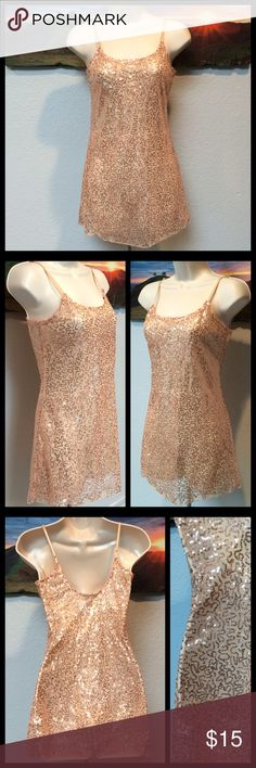 HP BELLE DU JOUR Peach Sheer Sparkly Cami Top BELLE DU JOUR Creamy Peach Sheer Sparkly Top Sz Small. In good used condition!    Suggested User Bundles Reasonable Offers  Smoke Free ☠NO TRADES☠ Belle Du Jour Tops Camisoles