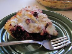 Natural and Free: Blueberry Apple Pie (Soy, Nut and Fish-Free, Can Be Egg, Milk and Wheat-Free and Diabetic Friendly)
