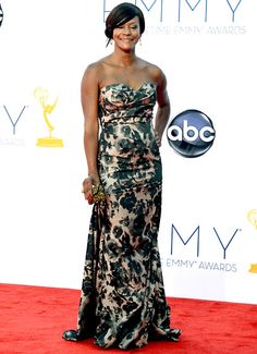2012 Emmys: Sufe Bradshaw in David Meister Signature
