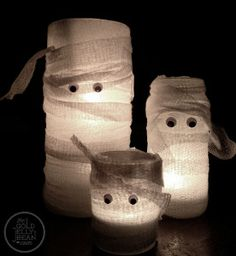 Light up Halloween night with these Charmingly Cute Mummy Candles. This is a super fast and easy Halloween craft for kids. Find a few mason jars around the house to make this homemade Halloween decoration. Don't forget the googly eyes! Diy Halloween, Humour Halloween, Adornos Halloween, Manualidades Halloween, Halloween Crafts For Kids, Holidays Halloween, Holiday Crafts, Holiday Fun, Happy Halloween