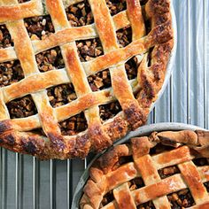 This version of the traditional British pie leaves out the beef so the fruit can shine, but still includes suet (beef fat) for a rich taste and Pie Recipes, Dessert Recipes, Cheesecake Recipes, Sweet Recipes, Yummy Recipes, Baking Recipes, Mince Meat, Meat Pies, Dried Apricots