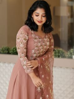 Indian Gowns Dresses, Indian Fashion Dresses, Indian Designer Outfits, Ladies Dresses, Indian Outfits, Maxi Dresses, Designer Anarkali Dresses, Designer Party Wear Dresses, Kurti Designs Party Wear