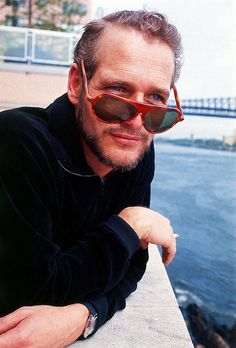Image uploaded by Chelo. Find images and videos about glasses, hollywood and paul newman on We Heart It - the app to get lost in what you love. Hollywood Stars, Old Hollywood, Hollywood Boulevard, Paul Newman Joanne Woodward, Wow Photo, Faye Dunaway, Hommes Sexy, We Are The World, Raining Men