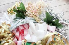 Learn how to make the prettiest bridal shower bow bouquet for the wedding rehearsal with paper plates and these simple steps! This bow bouquet is gorgeous! Wedding Rehearsal Bouquet, Bridal Shower Bouquet, Wedding 2015, Wedding Pins, Wedding Ideas, Bow Bouquet, Bouquets, Bridal Shower Decorations, Faux Flowers