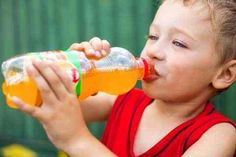 هذا ما يحدث لأطفالك بعد تناولهم المشروبات الغازية