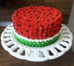 Ideia linda de bolo que vi no @ideiasdebolosefestas para você que vai fazer uma festa com tema Melancia. ...