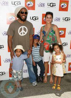 Afbeeldingsresultaat voor bob marley and stephen marley Bob Marley Sons, Marley Brothers, Reggae Bob Marley, Marley Family, Kingston, Jamaican People, Stephen Marley, Bob Marley Pictures, Rasta Man
