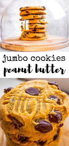 Jumbo Peanut Butter Cookies Snacks Recipes, Healthy Snacks, Vegan Recipes, Dessert Recipes, Desserts, Super Cookies, Bar Cookies, Classic Peanut Butter Cookies, American Chocolate