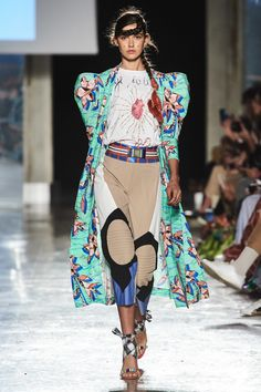 Stella Jean Spring 2020 Ready-to-Wear Fashion Show Collection: See the complete Stella Jean Spring 2020 Ready-to-Wear collection. Look 23 2020 Fashion Trends, Fashion 2020, Fashion Brands, Vogue Fashion, Runway Fashion, Vogue Paris, African Print Dresses, African Prints, African Fabric