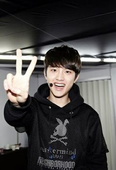 "Omg his face is adorable. D.O. ♡ #EXO // SMTOWN WEEK Backstage ""Christmas Wonderland"""