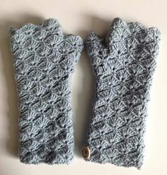 Crochet Gloves Pattern, Crochet Boots, Crochet Poncho, Crochet Slippers, Love Crochet, Crochet Clothes, Crochet Stitches, Crochet Patterns, Winter Accessories