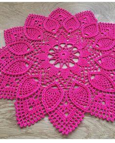Crochet Dollies, Crochet Doily Patterns, Thread Crochet, Baby Knitting Patterns, Crochet Flowers, Crochet Lace, Crochet Stitches, Crochet Ripple Blanket, Pineapple Crochet
