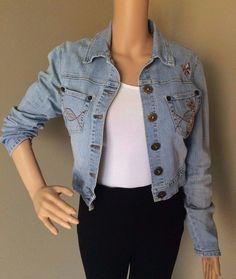 6a4085ec978 Vintage Zana Di Women s Denim Cropped Jacket Embroidered Light Jean Juniors  M