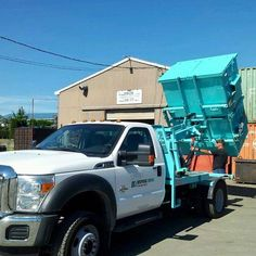 Disposal Queen provides Rubbish Removal Services in Vancouver and recycles everything that we can. We dispose of non-recyclables in a safe and environmentally friendly manner. Trash Removal, Rubbish Removal, Waste Removal, Garbage Collection, Removal Services, Vancouver, How To Remove, Construction, Range