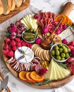 Getting a lot of questions about cheese pairings lately. What wines, meats & accoutrements go with certain cheeses. In general, I don't… Charcuterie Recipes, Charcuterie And Cheese Board, Charcuterie Platter, Cheese Boards, Party Food Platters, Food Trays, Cheese Platters, Tapas, Plateau Charcuterie
