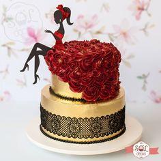 No photo description available. Birthday Cake For Women Elegant, Elegant Birthday Cakes, 60th Birthday Cakes, Birthday Cakes For Women, Elegant Wedding Cakes, Bolo Channel, Beautiful Cakes, Amazing Cakes, Fondant Cakes