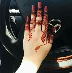 Beautiful Easy Finger Mehndi Designs Styles contains the elegant casual and formal henna patterns to try for daily routines, eid, events, weddings Finger Henna Designs, Henna Art Designs, Mehndi Designs For Girls, Mehndi Designs For Beginners, Mehndi Designs 2018, Modern Mehndi Designs, Mehndi Designs For Fingers, Mehndi Design Pictures, Arabic Mehndi Designs