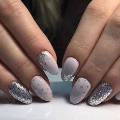 Semi-permanent varnish, false nails, patches: which manicure to choose? - My Nails French Nails, Acrylic French Manicure, Nail Art Designs, New Years Nail Designs, Nails Design, Design Design, New Year's Nails, Diy Nails, Nails Today