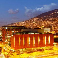 Colombia - Vista nocturna de Medellin, Antioquia.