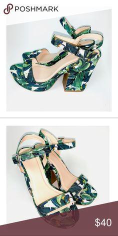 88f5074e965 New🍃Banana Leaf Platform Shoes size 8 Banana leaf pattern platform shoes  Size  8