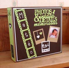 Album home déco pour y loger la première année de Matéo ! Plus Mini Albums Scrapbook, Papel Scrapbook, Baby Scrapbook, Craft Robo, Wedding Crafts, Projects To Try, Frame, Handmade, Mini Albums