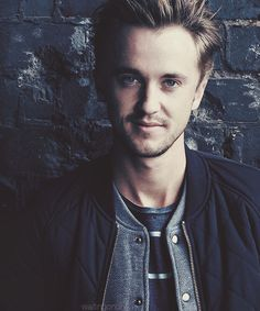 ImageFind images and videos about harry potter, actor and draco malfoy on We Heart It - the app to get lost in what you love. Harry Potter Draco Malfoy, Harry Potter Books, Harry Potter Characters, Harry Potter Fandom, Harry Potter World, Slytherin, Hogwarts, Tom Felton, Dramione