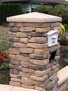 stone mailbox but with flat top and address on front. attractive stacked stone, white mailbox inset, looks like a peaked capstone to me. Diy Mailbox, Mailbox Ideas, Country Mailbox, Mailbox Designs, Mailbox Makeover, Mailbox Post, Stone Exterior Houses, Craftsman Exterior, Ideas