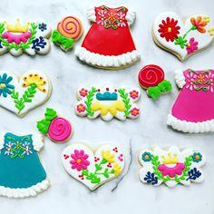 Instagram Sugar Cookie Icing, Sugar Cookies, Mexican Cookies, Wedding Cookies, Cookie Designs, Royal Icing, Cookie Decorating, Sprinkles, Cookie Recipes