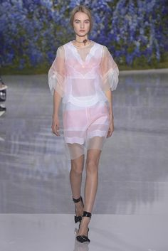 Dior Ready to Wear Spring 2016 | WWD