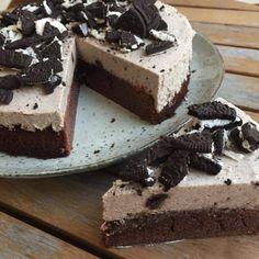 Oreo cheesecake med browniebund Oreo cheesecake with brownie bundle – Mummum. Easy Cheesecake Recipes, Cheesecake Bites, Easy Cake Recipes, Dessert Recipes, Chocolate Cheesecake, Pumpkin Cheesecake, Homemade Chocolate, Chocolate Recipes, Salty Cake
