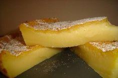 Queijada de leite e laranja Esta receita ficou uma verdadeira delicia Aqui vai a receita Ingredientes 2 ovos 300 g açúcar 50 g margarina 130 g farinha 1/2 l leite Sumo e raspa de 1 laranja Açúcar em pó para polvilhar Margarina para untar a forma