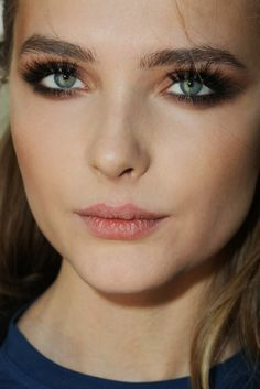 Snejana Onopka- Ukrainian model, hope I can pull off this full eyebrow look :)