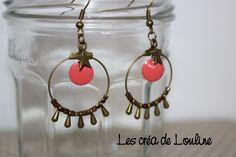 Boucles d'oreilles créoles bronze et rose corail : Boucles d'oreille par les-crea-de-louline