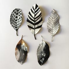Diy Arts And Crafts, Fun Crafts, Dry Leaf Art, Painted Leaves, Painting On Leaves, Deco Nature, Leaf Crafts, Clay Design, Autumn Art