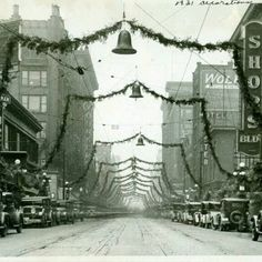 A beautiful photo of downtown Des Moines, Iowa during Christmas, 1931