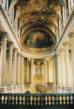 Travel This World — Versailles Paris, France Cathedral Architecture, Baroque Architecture, Beautiful Architecture, Beautiful Buildings, Classical Architecture, Best Places To Travel, Places To Visit, Daughter Of Smoke And Bone, Palace Of Versailles