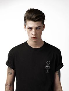{FC:Ash Stymest~male Australia} Hey I'm Ash, I'm single and 18, I like to make music and I'm fun. I'm rebellious alot