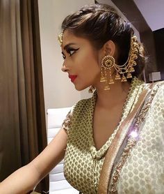 Happiness is purchasing same earing as wear by model Indian Wedding Gowns, Indian Wedding Hairstyles, Saree Wedding, Indian Bridal, Indian Jewelry Earrings, Jewelry Design Earrings, Gold Jewelry, Jewellery, Tina Dutta