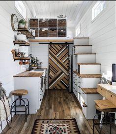 tinyhomeinspiration:Tiny House Inspiration : – tiny home decorating Tiny House Bedroom, Tiny House Loft, Tiny House Storage, Modern Tiny House, Tiny House Plans, Tiny House Design, Tiny House Bathtub, Tiny Loft, Tiny House Company