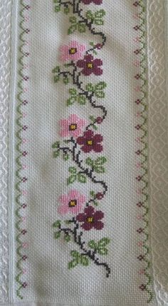Ribbon Embroidery Kit Daisy DIY Wall Decor New Cross Needle Work Stitch Learning Kit (No Frame)Daisy - Embroidery Design Guide Cross Stitch Letters, Cross Stitch Heart, Cross Stitch Borders, Modern Cross Stitch, Cross Stitch Flowers, Cross Stitch Designs, Cross Stitching, Cross Stitch Embroidery, Stitch Patterns